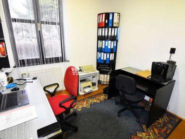 kancelárske priestory s parkovaním, 138 m2, v centre Žiliny