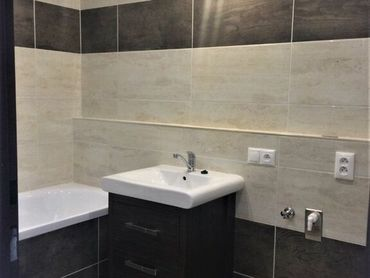 TRNAVA REALITY EXKLUZÍVNE- 3 izb. byt s loggiou a pivnicou po kompletnej rekonštrukcií v meste Sereď