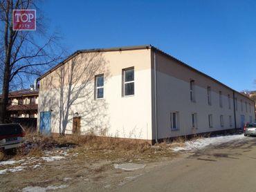 Prenájom multifunkčný objekt 689 m2,Poprad priemyselná zóna oproti Tatravagónky.