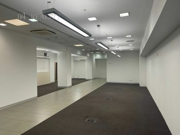 Lukratívne komerčné priestory na prenájom, 165 m2, Trenčín, Zlatovská ul. / Zámostie
