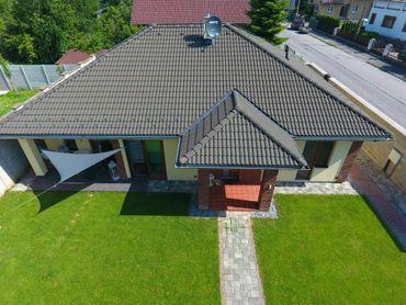 Rodinný dom - BUNGALOV - ul. Ľ. Štúra, na pozemku 398 m2 - PRIEVIDZA
