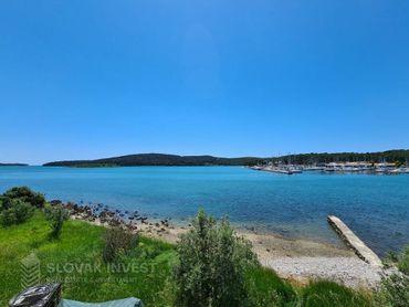 SLOVAK INVEST -  Na predaj novostavba rodinného domu s vlastnou plážou, Chorvátsko - oblasť Medulin