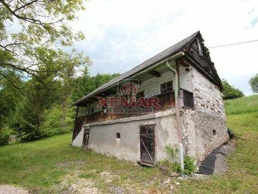 Na predaj chalupa a záhradná chatka v obci Lúčky pri Kremnici