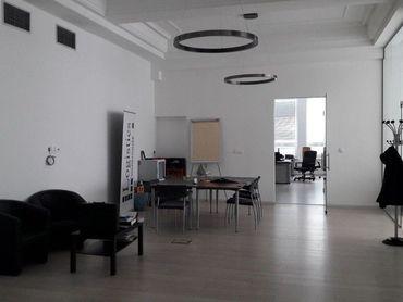 Kancelárske priestory v Bratislave I, Starom Meste (roh ulíc Žilinská - Šancova) s vlastným vstupom