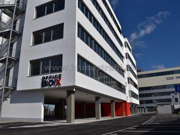 Reprezentatívny kancelársky priestor na prenájom o ploche 189 m2 + terasa 145 m2 na Ulici Mokráň záh