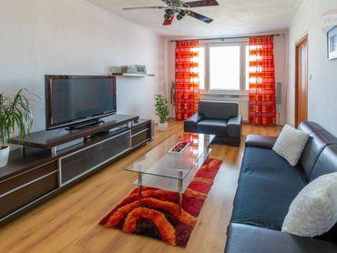 PRENÁJOM - 3 izb. komplet zariadený byt centrum Prievidza