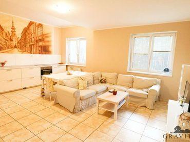 Na predaj priestranný 5 izbový byt v obľúbenej lokalite, Šusteková ul.