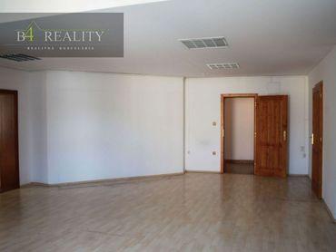 Kancelárske priestory, 86 m2 + 1x parkovacie miesto, Trenčín, Piaristická ul. / centrum