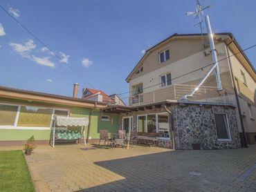 Osvaldova, 917 01 Trnava - viacgeneračný dom s krytím bazénom