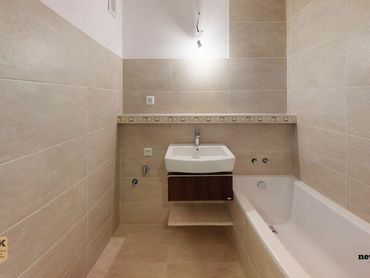REZERVOVANE - 3 Izbový byt v Dubnici nad Váhom, kompletná nová rekonštrukcia