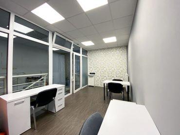 Na prenájom obchodný priestor  28  m² v centre Pezinka - M. R. Štefánika