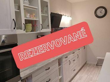 REZERVOVANÉ-PREDAJ, príjemný 3i veľkometrážny byt Šusteková - Petržalka
