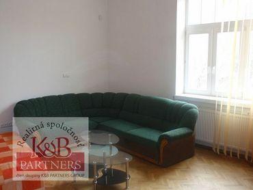Ponúkame Vám na prenájom komerčný priestor v centre Trenčína o rozlohe 85 m2.