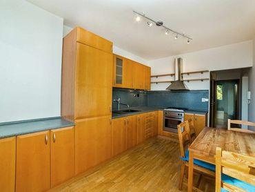Predaj bytu (3- izbový) 70 m2, Bratislava - Petržalka