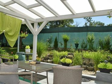 NOVOSTAVBA, priestranný 3 izb. byt s krásnou terasou a záhradou, 2 parkovacie miesta, Dunajská Lužná