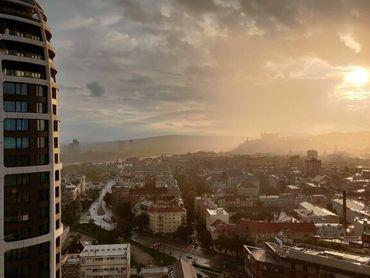 Nádherný 2-izbový byt s výhľadom na hrad na 23.poschodí v projekte SKY PARK
