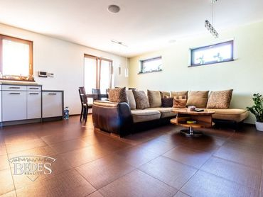 BEDES | Rodinný dom na sídlisku Sever, 3x garáž