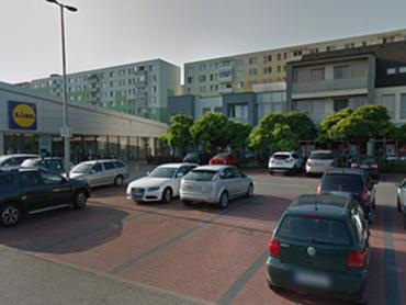 !! ZNÍŽENÁ CENA !! PREDÁM 3,5 izbový byt v Seredi