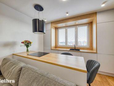 REZERVOVANÉ- Krásne a kvalitne zrekonštruovaný, ešte neobývaný 2 izb. byt s balkónom