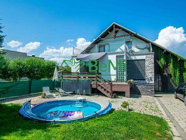 Predaj: Luxusná rodinná vila v obci Raková(685-12-JAS)