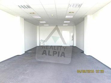 Administratívne priestory v centre mesta Komárna na prenájom