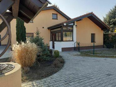 Predaj Dvoj generačný Rodinný dom v Šamoríne časť Mliečno