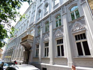 Štýlový 2-izbový byt s terasou na predaj v Starom Meste, Bratislava