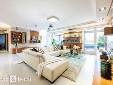 Arvin & Benet | Priestranný 4i byt s terasou a dvojgarážou