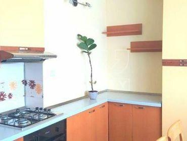 Výnimočný 3 izbový byt s garážou a vlastnou záhradkou o výmere 72m2 v Lučenci na ulici J. Wolkra