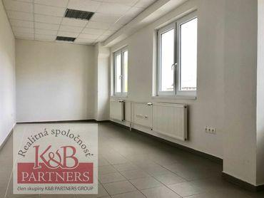 Ponúkame Vám na prenájom 4 kancelárie na 1. poschodí v objekte areálu Meriny na Kukučínvej ulici v T
