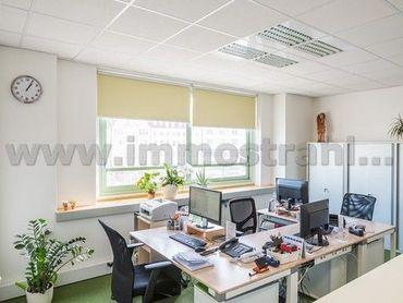 Reprezentatívny kancelársky priestor na predaj o ploche 91 m2 v objekte na Nám.SNP
