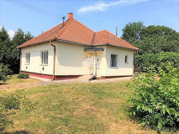 Predáme 4-izbový rodinný domček v obci Melek  neďaleko mesta Vráble