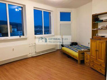 Predám veľkometrážny byt v lukratívnej lokalite  Nitra-Chrenová