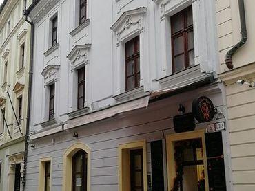 Veľké obchodné priestory v Starom meste s nádychom histórie