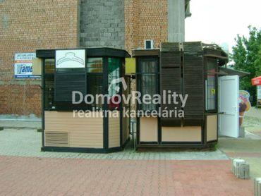 Predajný prenosný stánok v Prievidzi, určený na predaj a výrobu
