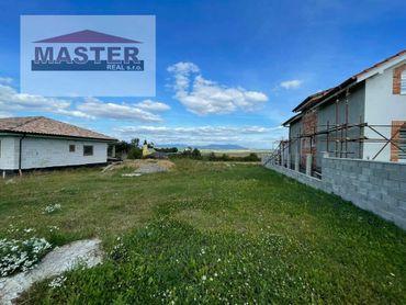 Exkluzívne na predaj stavebný pozemok -Livinské Opatovce- 725m2