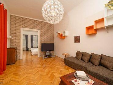 Predaj 3,5izb. bytu s vysokými stropmi v historickom centre Bratislavy