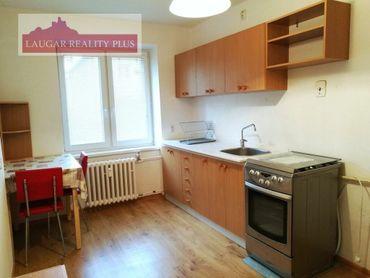 Rezervované 2-izb. tehlový byt Trenčín - 28. októbra - Iba u nás