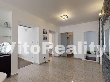 3-izbový byt na rohu medzi Fraňa Mojtu a Štúrovou ulicou