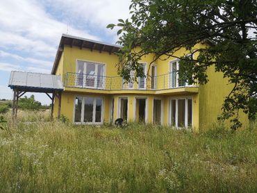 Na predaj 5-izbový rodinný dom na veľkom  pozemku o rozlohe 15732 m2 v obci Košúty