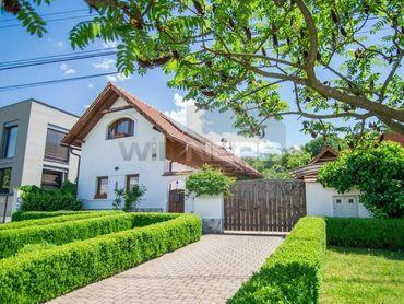 REZERVOVANÉ. Netradičný rodinný dom v Prievidzi -s duchom tradície, pokojom vidieka, moder.prevedení