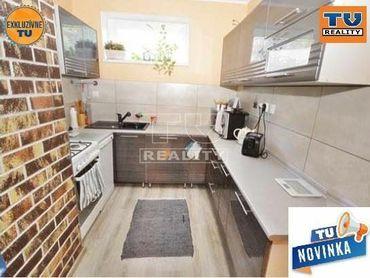 ZNÍŽENÁ CENA: Krásny 4 izbový byt 86m2 s loggiou a garážou 18m2 + súkromná pivnica 5,5m2, Sereď.