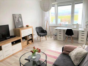 Slnečný 3 izbový byt, 72 m2, Sásová