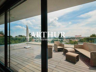 ARTHUR - Exkluzívne bývanie na hradnom kopci- 2 byty so samostatnými vchodmi