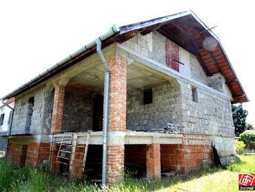 Directreal ponúka Na predaj rozostavaná stavba 5-izb. rodinného domu s dvojgarážou na pozemku 596 m2