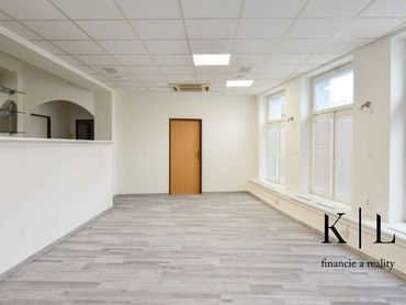 Kancelária/prevádzka služieb na prenájom - 56 m2 - Juh, Gen. Svobodu 2612 Trenčín