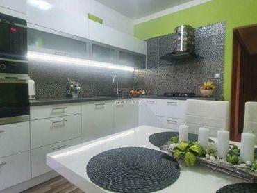 KRÁSNY, ZARIADENÝ 3i byt v BB - Sásovej na predaj, 70,8 m2 - skvelá ponuka !!! - REZERVOVANÝ.