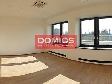 Prenájom novej klim. kancelárie (48,14 m2, 1k, 1. p., WC, parking)