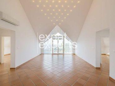 Nadštandardný 4i byt, 110 m2, čiastočne zariadený, s balkónom