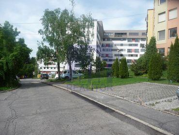 Ponúkame na prenájom parkovacie miesto - Komenského ul.